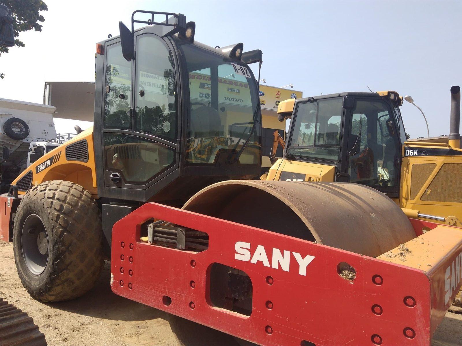 Rolo Compactador Sany modelo  SSRD120