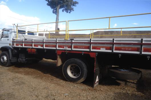Caminhão Carroceria 17.190